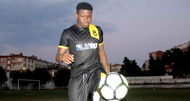 Ghanaian footballer gets olive oil to sign with local team