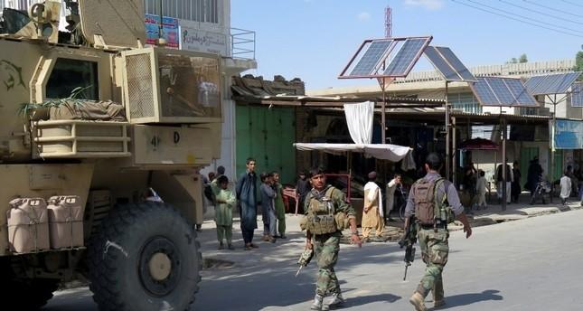 عناصر من الشرطة الأفغانية (رويترز)