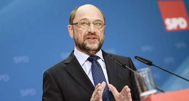 The leader of the Social Democratic Party (SPD) and candidate for German chancellor Martin Schulz during a joint press conference with vice leaders Thorsten Schaefer-Guembel and Olaf Scholz (not seen) in Berlin, Germany, 19 June 2017. (EPA Photo)