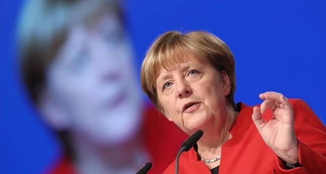 المستشارة الألمانية ميركل تؤكد احترامها قرار الشعب التركي في الاستفتاء