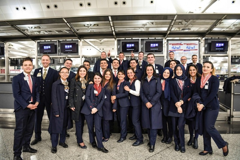 'Big Migration': Employees, passengers bid farewell to iconic Atatürk Airport, welcome new Istanbul Airport