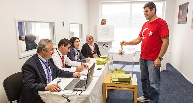 مليون و241 ألف مغترب تركي يدلون بأصواتهم في الاستفتاء على التعديلات الدستورية