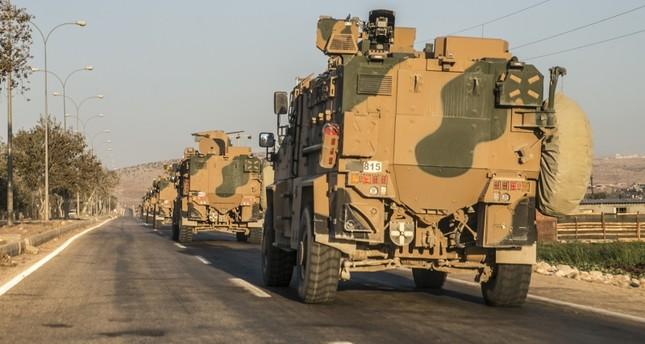 الجيش التركي يرسل تعزيزات عسكرية وقوات خاصة إلى الحدود مع سوريا