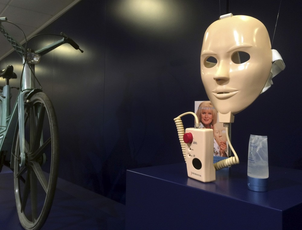 A u201cRejuveniqueu201d electric beauty mask on display at the Museum of Failure in Helsingborg.
