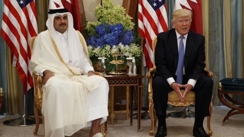 US President Donald Trump, right, holds a bilateral meeting with Qatar's Emir Sheikh Tamim Bin Hamad Al Thani, Sunday, May 21, 2017, in Riyadh. (AP Photo)