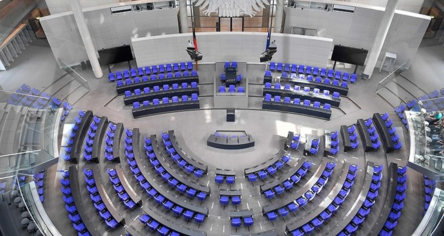 Delegates' seats are seen at the plenary hall of the Bundestag (lower house of parliament) on September 27, 2017 (AFP Photo)