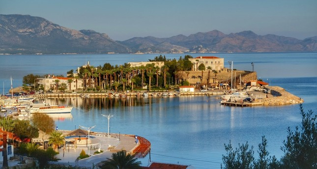 As one of the popular holiday destinations following Bodrum and Marmaris, Datça welcomes hundreds of thousands of tourists every summer, but it is worth a trip to see its winter beauties as well.