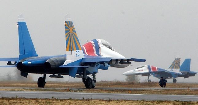 بمشاركة الحاملة أميرال كوزنتسوف.. طائرات روسيا والأسد تبدأ حملة قصف عنيفة على حلب
