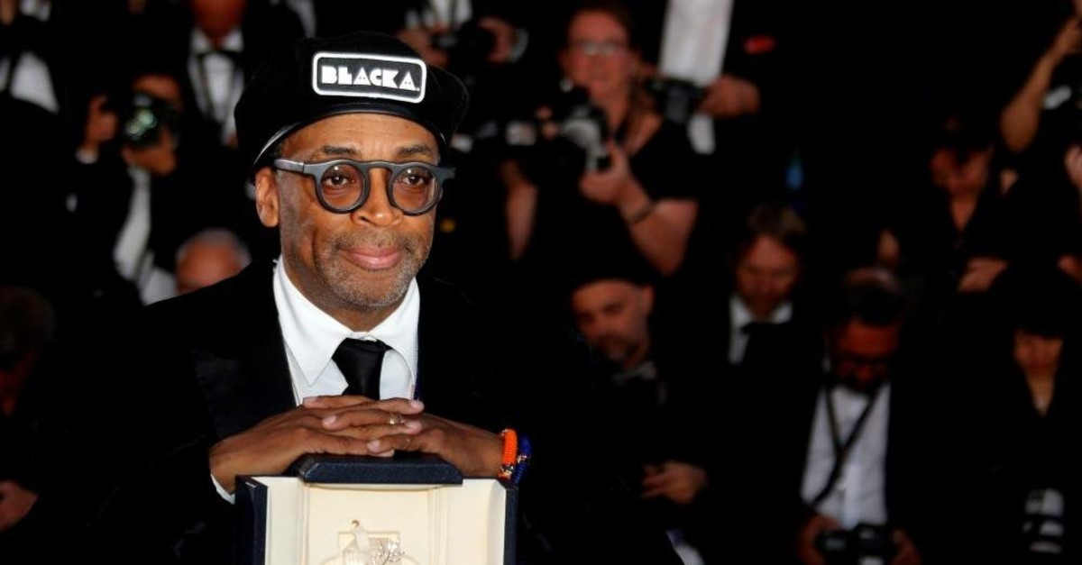Director Spike Lee poses with Grand Prix Award at the closing ceremony of the 71st Cannes Film Festival on May 19, 2018. (REUTERS Photo)