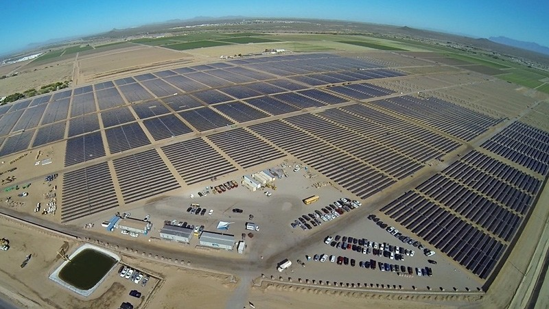 Apple's 50-megawatt solar farm, east of Appleu2019s data center in Mesa, Arizona is pictured in this undated handout photo obtained by Reuters on April 9, 2018. (Reuters Photo)
