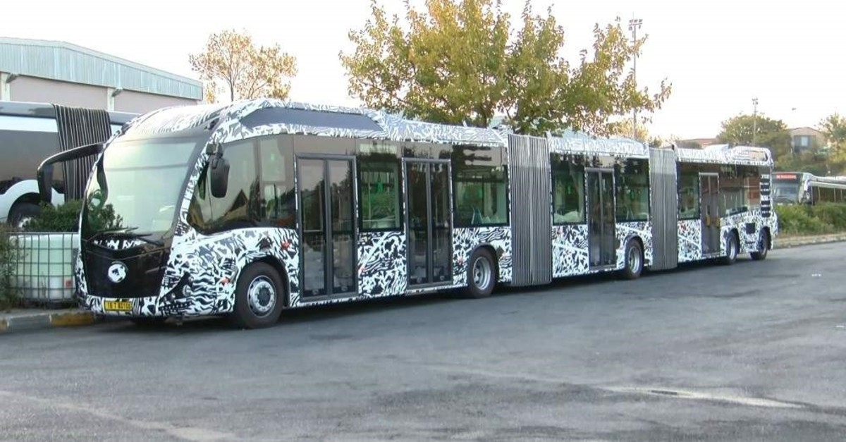 Photo of new metrobus prototype with increased capacity being tested by Istanbul municipality. (DHA Photo)