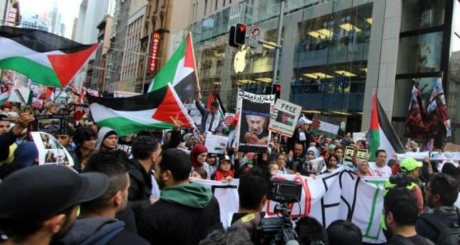 الأستراليون يتظاهرون في ملبورن تنديدا بالمجزرة الإسرائيلية بغزة