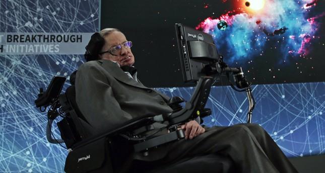 وفاة عالم الفيزياء البريطاني ستيفن هوكينغ عن 76 عاما