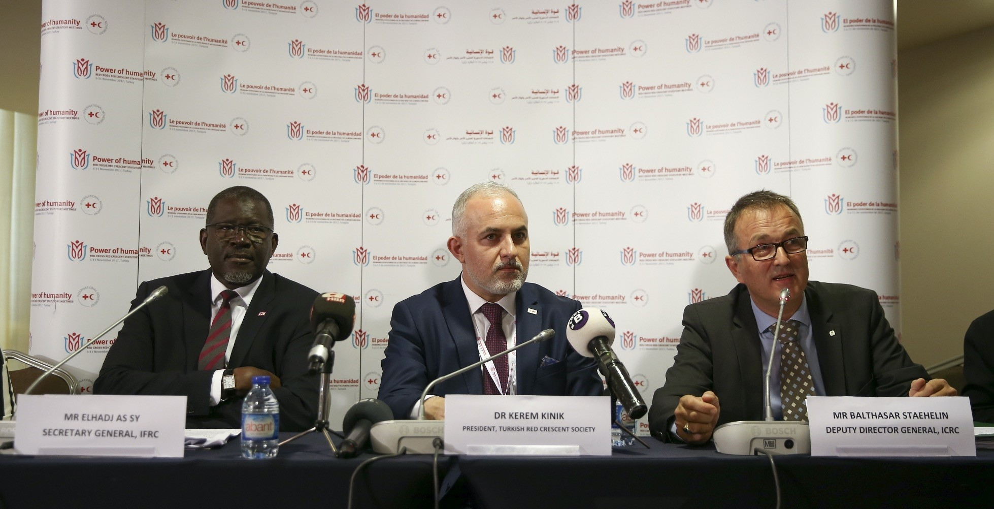 Dr. Kerem Ku0131nu0131k, president of Turkish Red Crescent Society, Balthasar Staehelin, deputy director general of International Committee of Red Cross and Elhadj As Sy, secretary General of the International Federation of Red Cross and Red Crescent