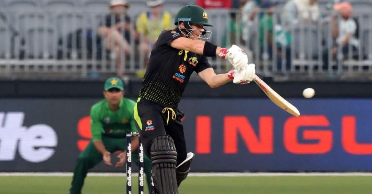 David Warner of Australia plays a shot during the match between Australia and Pakistan, Perth, Nov. 8, 2019. (AFP Photo)
