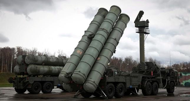 منظومة الدفاع الجوي الصاورخي الروسية إس-300 (من الأرشيف)