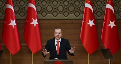 pDie Türkei und die türkische Polizei werde nicht zulassen, dass Terrororganisationen die türkische Gesellschaft spalten werden, betonte der türkische Staatspräsident Recep Tayyip Erdoğan am...