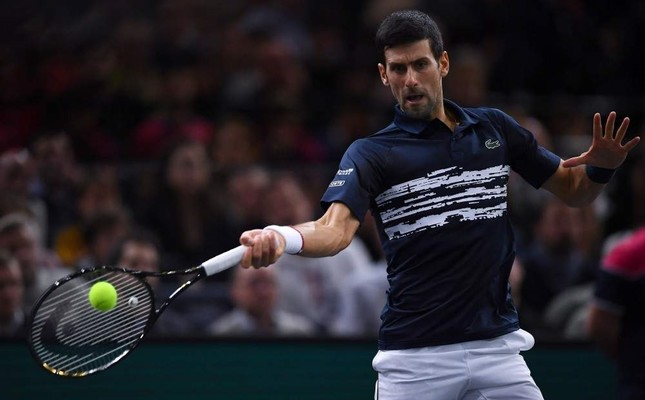 Novak Djokovic returns the ball to Canada's Denis Shapovalov during the Paris Masters singles final, Paris, Nov. 3, 2019. (AFP Photo)