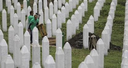 Bosnians mark anniversary of 1995 Srebrenica genocide