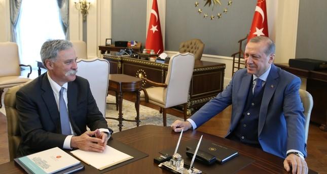 Erdoğan receives Formula One CEO, discusses bringing back Turkish Grand Prix
