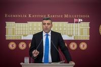 النائب في البرلمان التركي عن حزب الشعب الجمهوري أوزتورك يلماز ( وكالة الأناضول للأنباء)