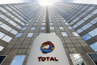 Greenpeace says coral reef extends to Total's Amazon drilling area