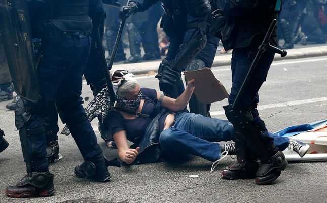 26 people wounded in Paris labor street protests