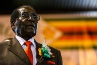 Nur wenige Tage nach dem Militärputsch in Simbabwe hat die Regierungspartei Zanu-PF Robert Mugabe als Parteichef abgewählt und ihn zum Rücktritt vom Präsidentenamt aufgefordert.  Die Partei solle...