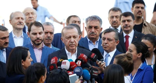 أردوغان يصلي العيد في إسطنبول
