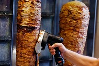 The European Parliament narrowly defeated plans to ban an additive that is considered key in industrial meats for the popular döner kebab.