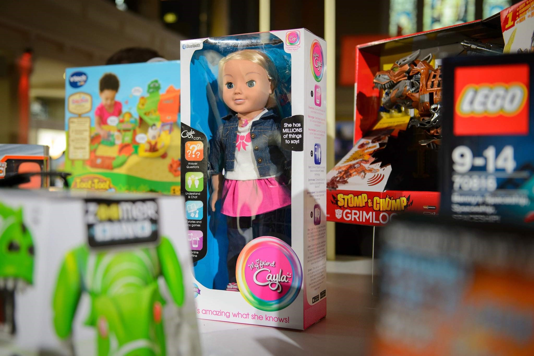 The talking doll ,My Friend Cayla, displayed at the DreamToys toy fair in central London, on November 5, 2014. (AFP Photo)