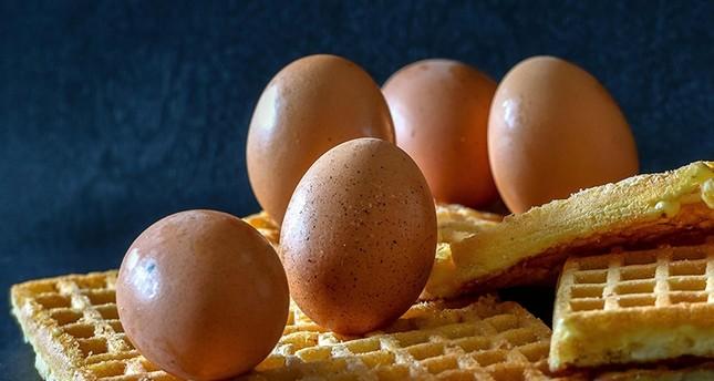 فرنسا تسحب حلويات بلجيكية من الأسواق على خلفية البيض الملوث