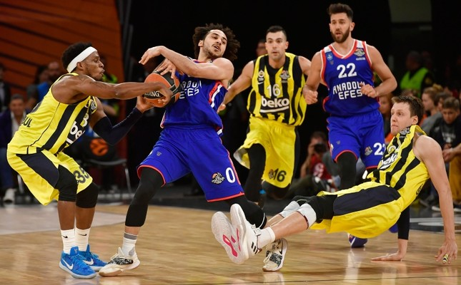 7b5bfa7c9 Turkey s Anadolu Efes defeats Fenerbahçe Beko in first all-Turkish ...