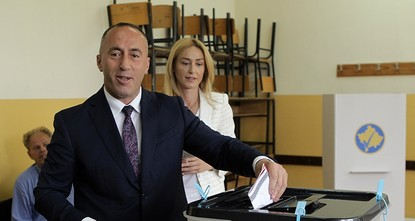 pVoters in Kosovo were casting their ballots Sunday in an early general election for the new 120-seat parliament./p  pAt stake are thorny issues of the border demarcation deal with Montenegro...