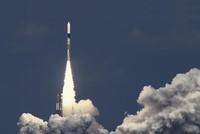 أطلقت هيئة الفضاء اليابانية بنجاح، السبت، الصاروخ