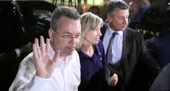 U.S. pastor Andrew Brunson and his wife Norrine arrive at the airport in Izmir, Turkey October 12, 2018.  (Reuters Photo)