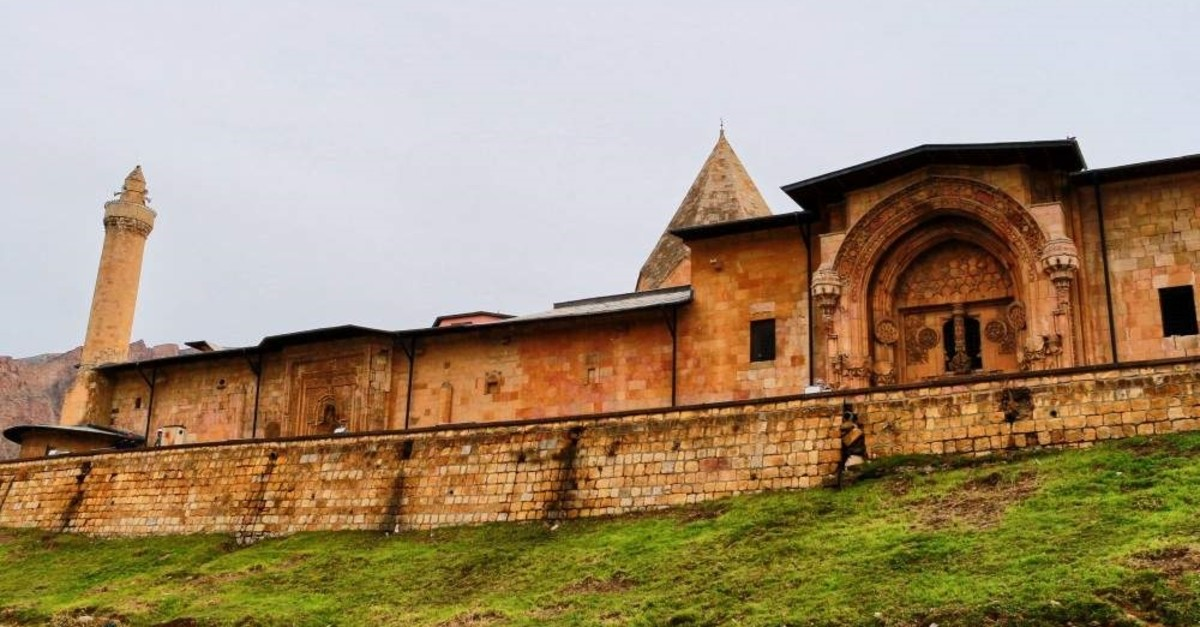 Emir Ahmed Shah founded the mosque, with its adjoining hospital, at Divri?i in the 13th century. (Emre Kazan / iStock)