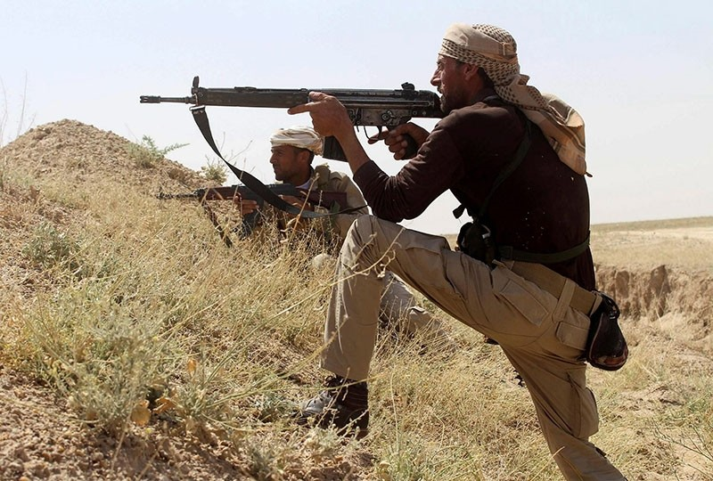 An Iraqi soldier fights against Daesh terrorists on the outskirts of Ramadi. (Sabah File Photo)