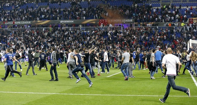 Lyon call for return match to be played behind closed doors