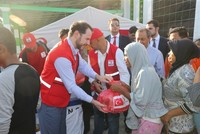 Finance Minister Albayrak visits disaster-stricken Indonesia with Red Crescent, AFAD