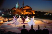 من فعاليات مهرجانات مولانا السابقة (الأناضول)