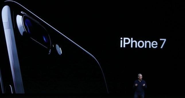 Apple stellt neues iPhone ohne übliche Ohrhörer-Buchse vor