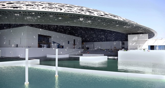 A water system, derived from ancient Arabian engineering, will flow between the enclosed galleries and outer areas of the museum.