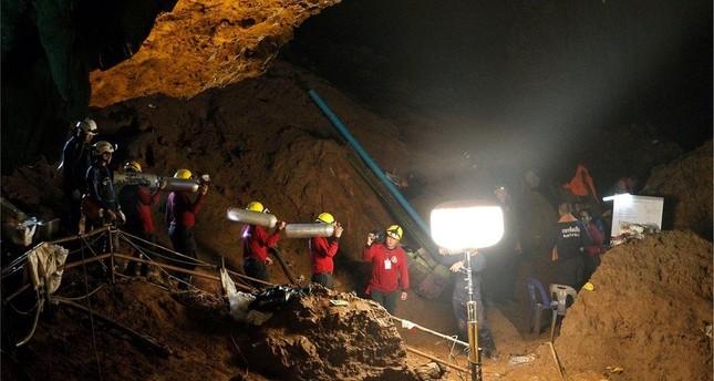 تايلند: العثور على 12 طفلا ومدربهم أحياء بعد اختفاء لمدة تسعة أيام داخل كهف