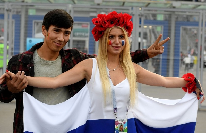 Football fans arrive at the Saint Petersburg Stadium prior to the Russia 2018 World Cup semi-final football match between France and Belgium in Saint Petersburg on July 10, 2018. (AFP Photo)