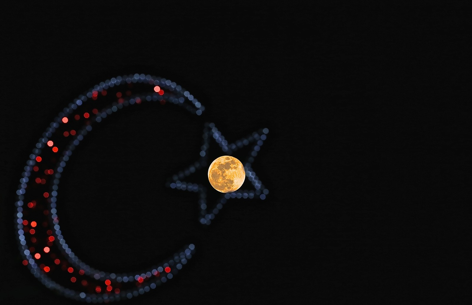 Supermoon sighted in Düzce province (AA photo)