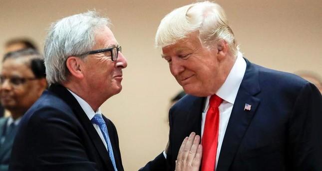 الرئيس الأمريكي دونالد ترامب - يمين، جان كلو يونكر - رئيس المفوضية الأوروبية يسار
