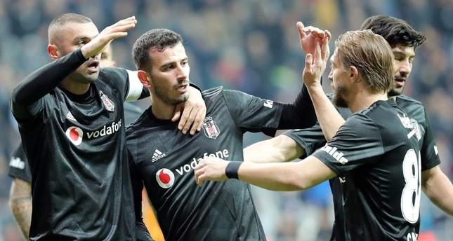 Burak Y?lmaz (L) celebrates a goal he scored against Kayserispor with teammates, Istanbul, Dec. 2, 2019. (AA Photo)