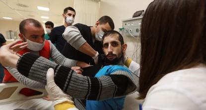 منظمة الهلال التركي تمد يد العون لشاب سوري معاق