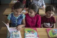 الاتحاد الأوروبي يخصص 468 مليون دولار لدعم تعليم اللاجئين السوريين في تركيا